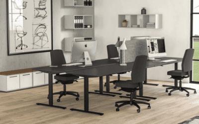 Skrivebord hæve sænke i flot enkel design
